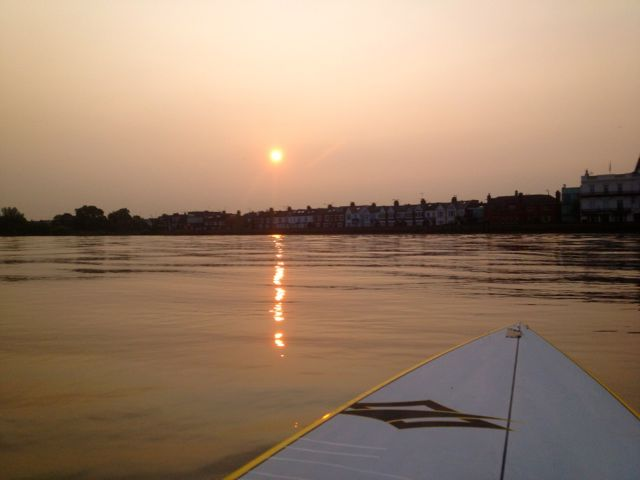 Sunrise paddle on the Thames...