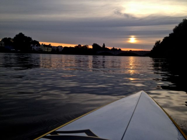 Stunning sunset paddle on the Thames today...